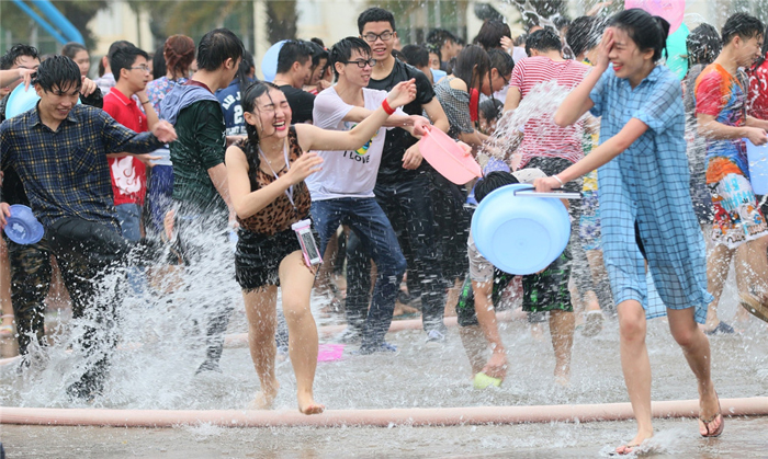 A happy Water-Sprinkling in China